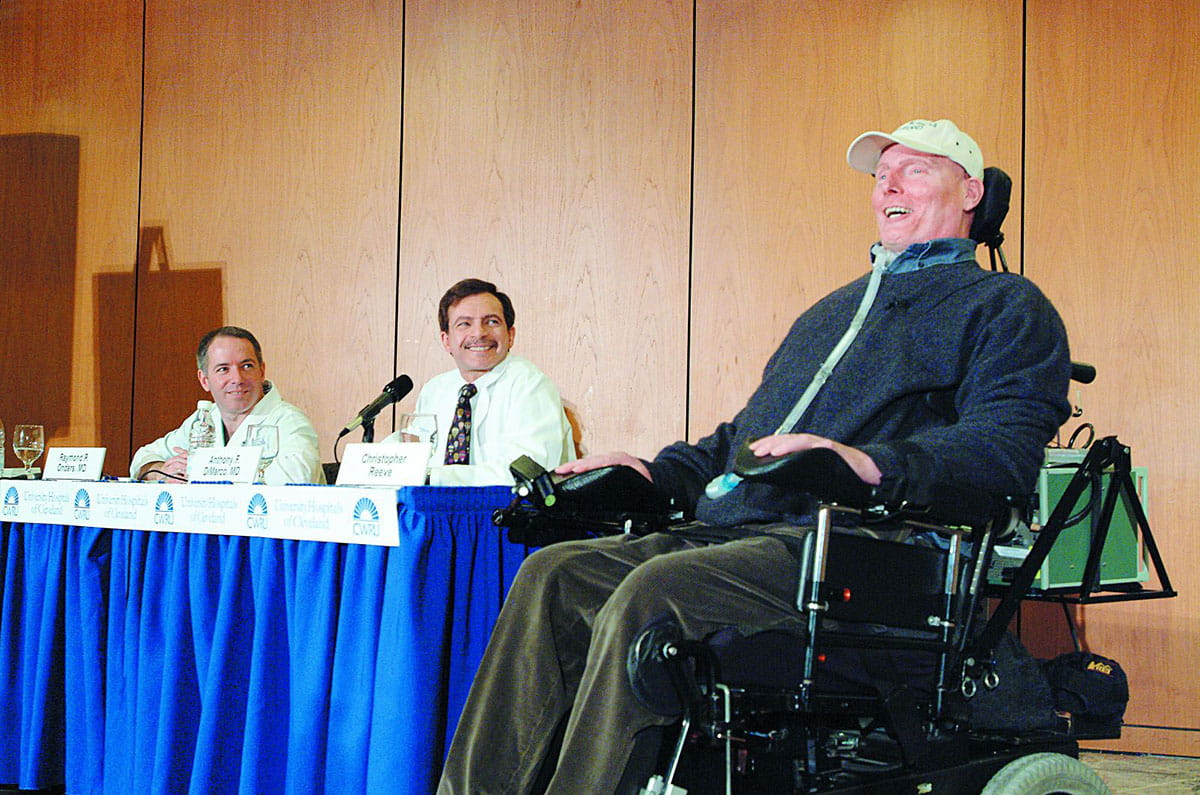 Actor Christopher Reeve receives a diaphragmatic pacing system (DPS) at UH in 2003