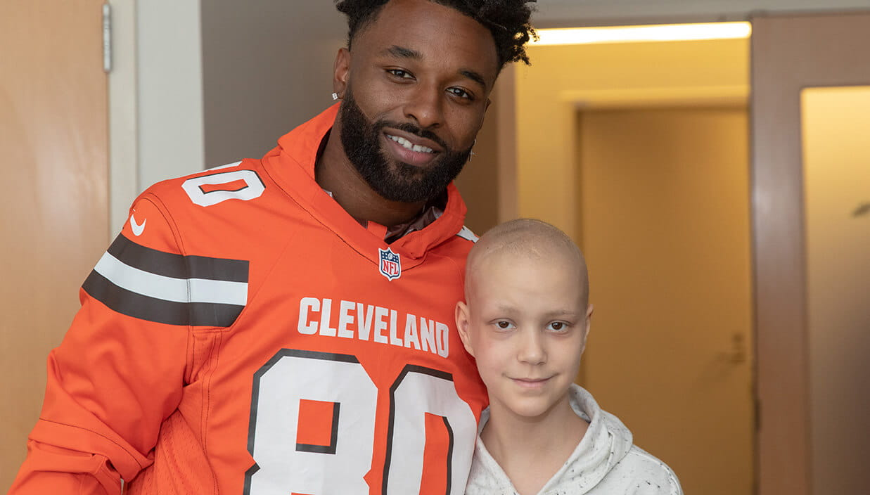 Browns player Jarvis Landry visits University Hospitals patients