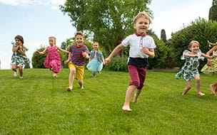 young kids running